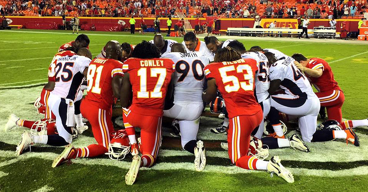 Public Show Of Prayer In Nfl Goes Viral